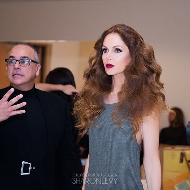#backstage with the guy in charge of models, talents, timing, dresses...#MisoChic2015 @miamisymphony @eduardomarturet @nicolasfelizola @makeupbyrobertoramos @ads_hope #styling #fashion #hautecouture #runway #show #acting #arshtcenter #styling #makeup #makeupartist #hair @makeupbyrobertoramos @sharonlevyphotography
