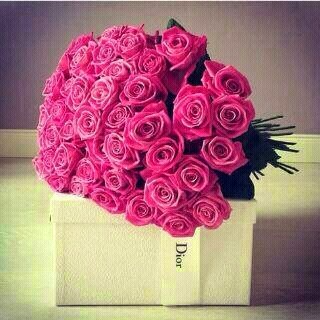 بوكيه ورد خلفيات رمزيات بوكيه ورد الفرح و الخطوبة زينه In 2021 Trendy Flowers Flower Bouquet Wedding Flowers Bouquet