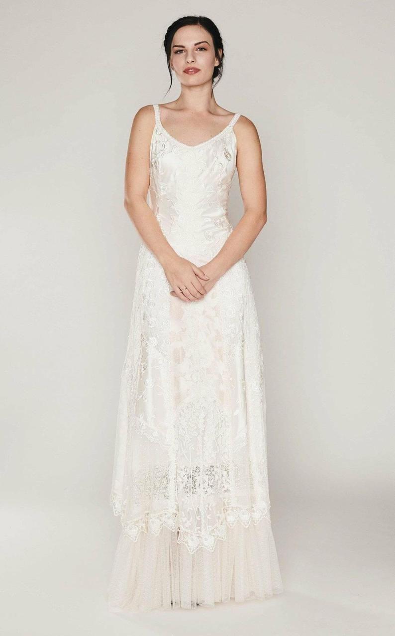Pin On Wedding Dresses [ 1278 x 794 Pixel ]