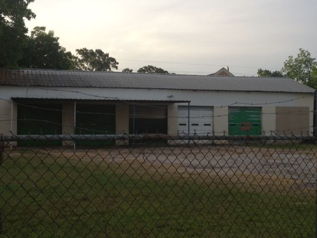This Old Garage On Avenue H Between Main And Granberry Is Still