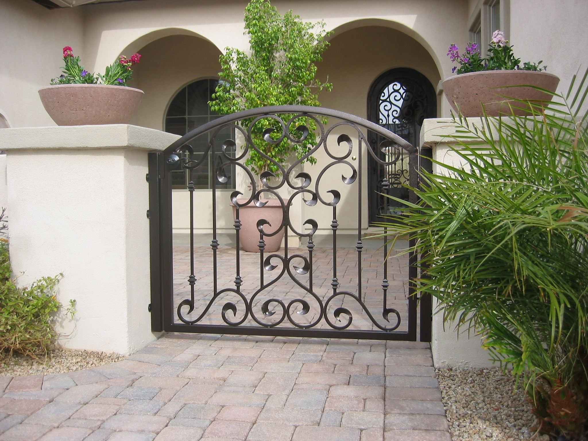 Grapevine Wrought Iron Courtyard Gate With Images Wrought Iron