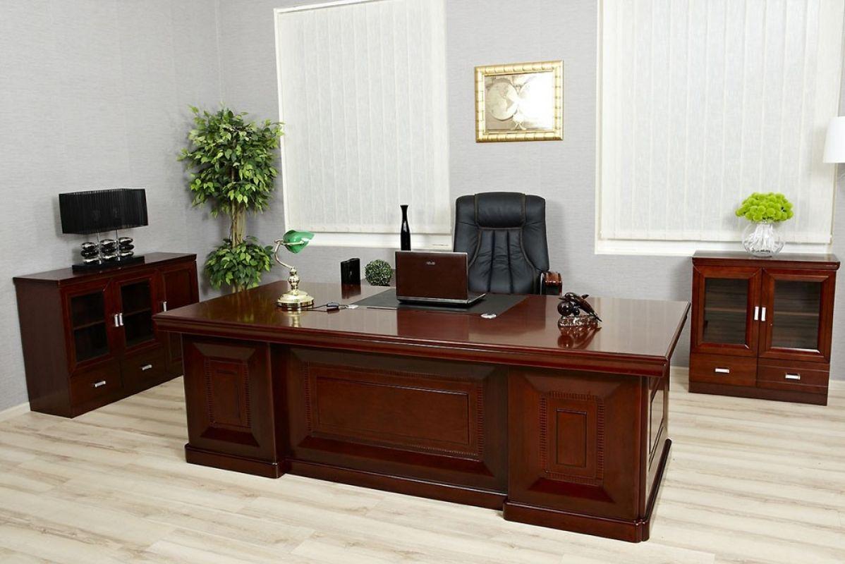 Scrivania direzionale in stile classico per ufficio o