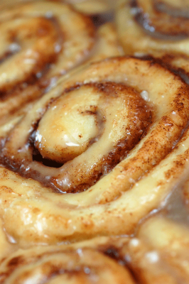 Pioneer Woman's Cinnamon Roll Recipe with Overnight Rising - Good for Christmas morning...