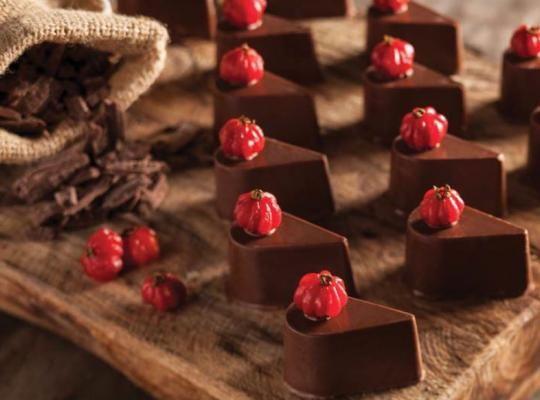 Bombom especial de Chocolate ao Leite Diet NESTLÉ® e recheio de frutas vermelhas