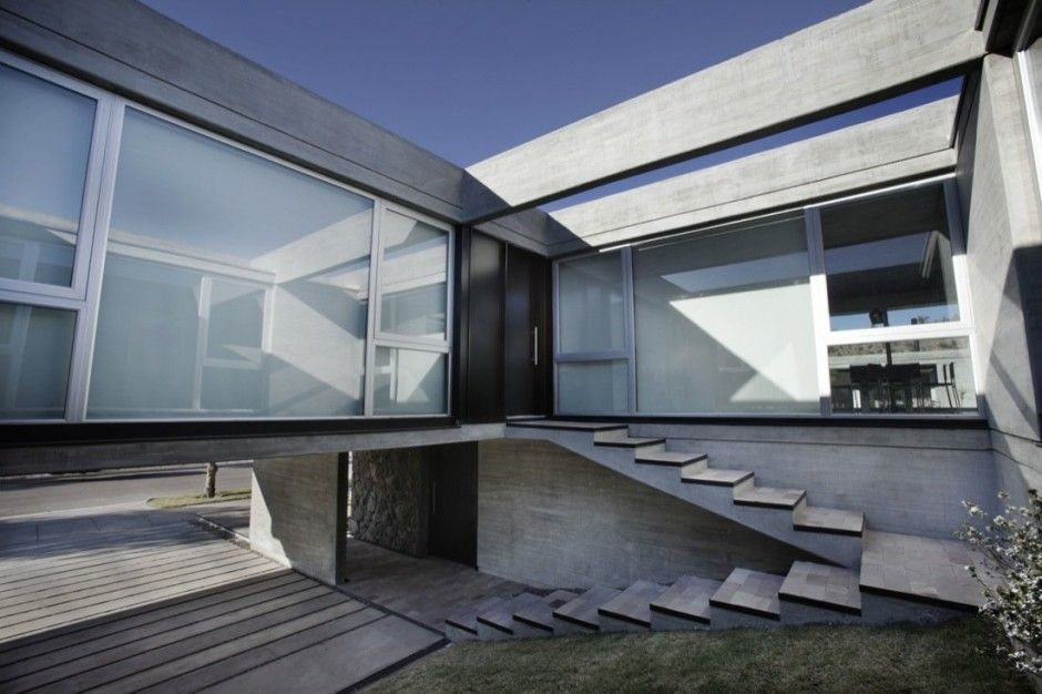 Best Outdoor Stairs Of Modern House With Concrete Exterior And 400 x 300