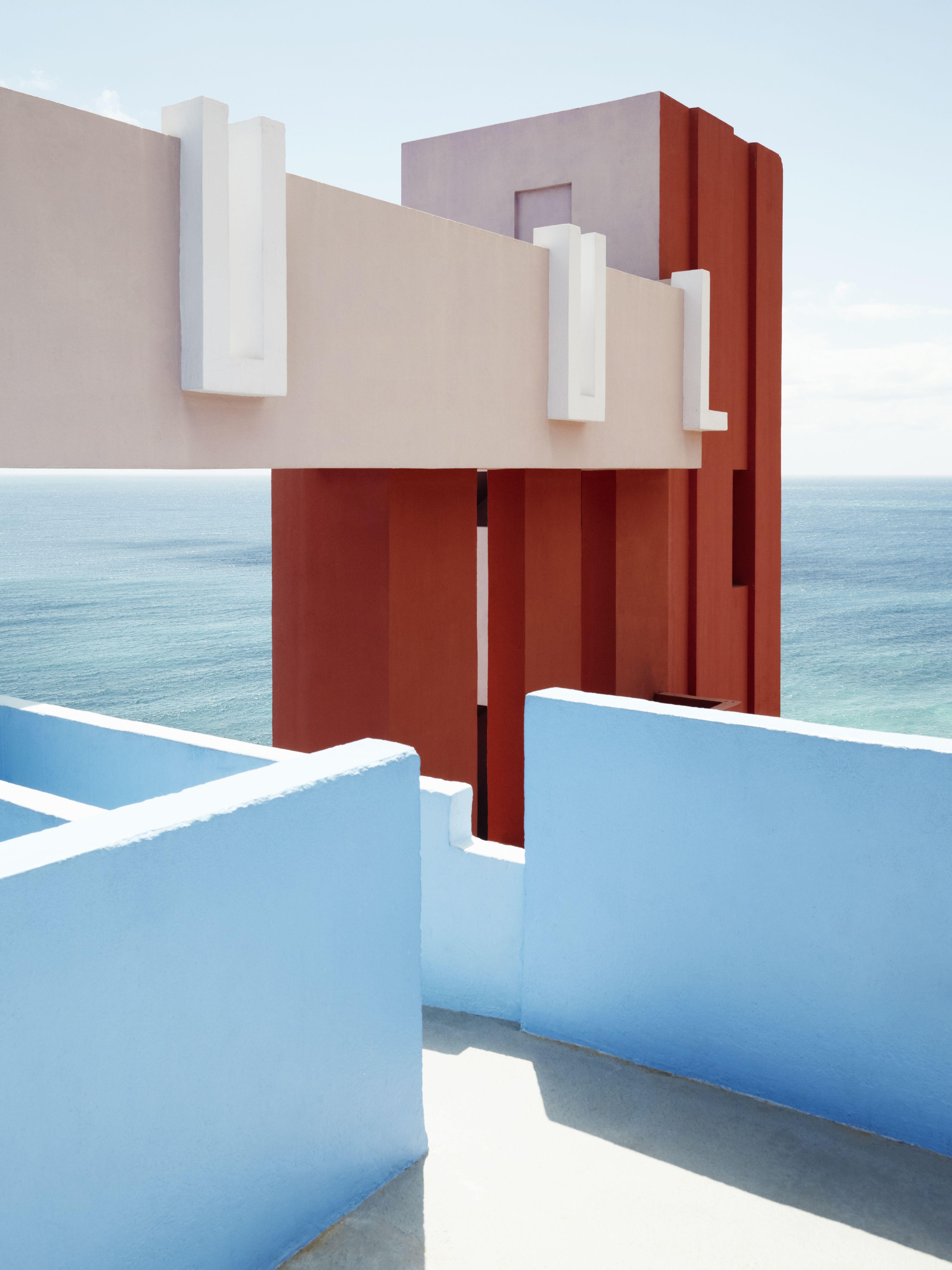 Central de arquitectura a mexico city based design studio has - La Muralla Roja In Calpe Alicante Spain Ricardo Bofill Taller De Arquitectura