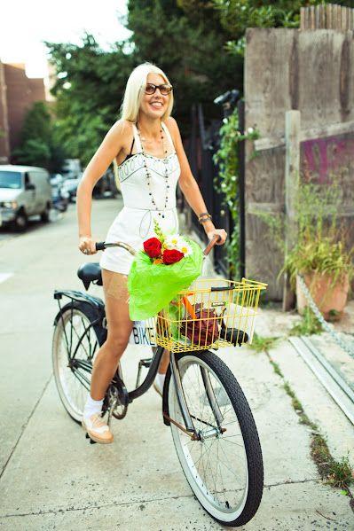 Riding Bikes While Wearing Skirts Bicycle Girl Bicycle Fashion
