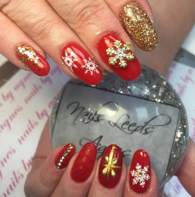 16 Sexy Red Nail Designs You Should Wear This Christmas Pinterest