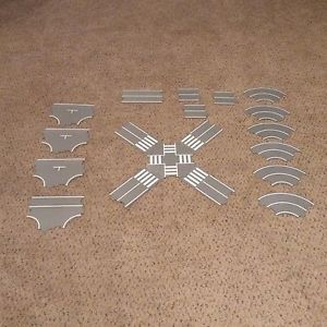 Tomy Tomica Hypercity Thomas Cardboard Road LOT 19 Pieces EUC
