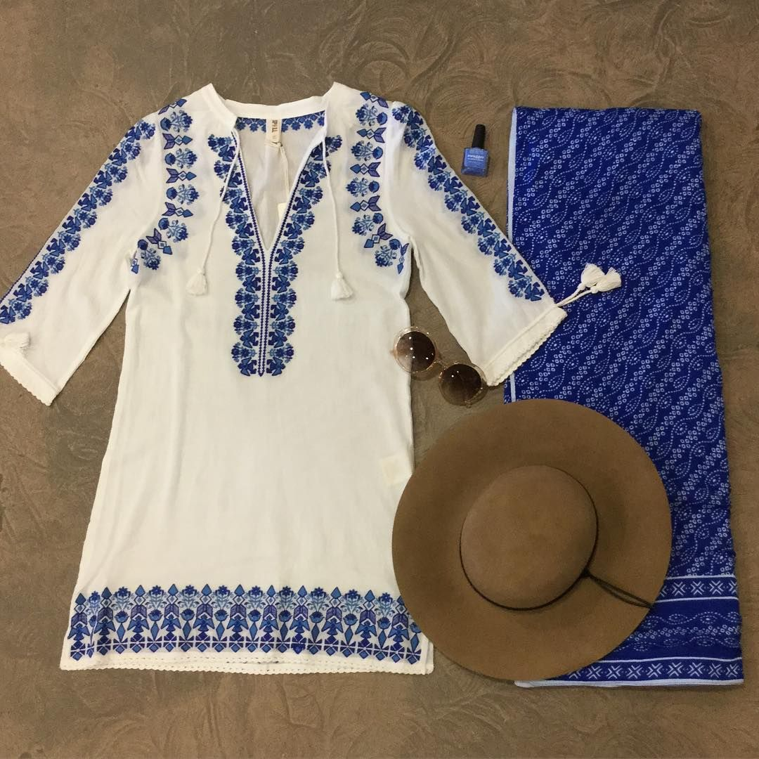 Discover your own summer paradise this weekend with the #santorini embroidered kaftan by #spelldesigns .. Team it with a floppy hat, sunnies and #frankieslife beach towel for the ultimate summer getaway look.  #whitebohemian #bohobabe #bohemian #summer #friday #bohemianbabe