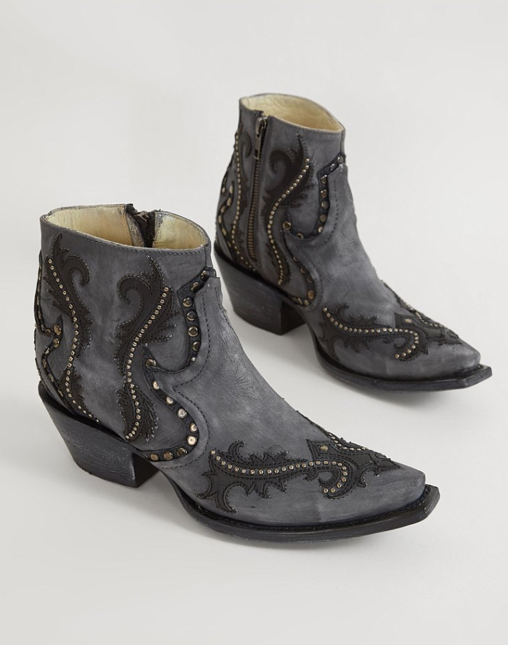 Short Cowboy Boots : Corral Studded