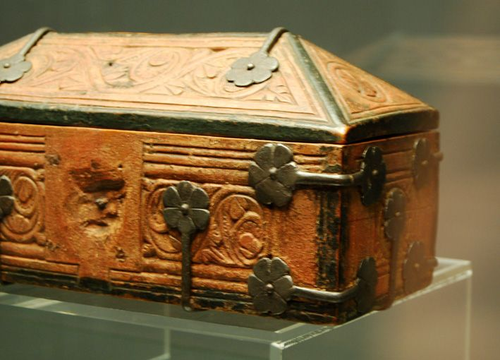 The Museum Fur Angewandte Kunst In Cologne Germany Has A Large Collection Of Small Medieval Caskets Often Ca Medieval Furniture Oriental Jewelry Box Medieval