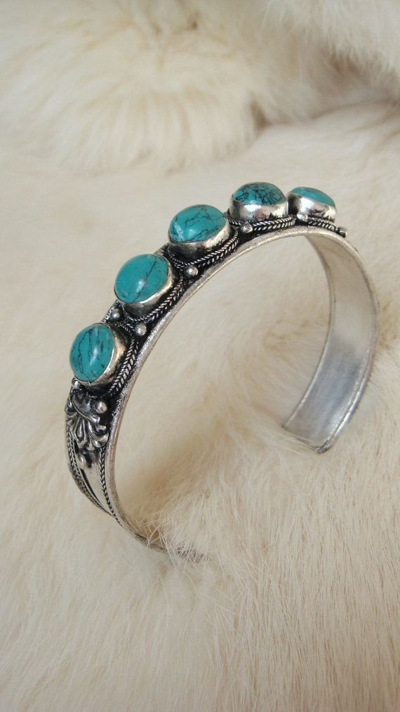 Turquoise bangle Turquoise bracelet White Metal Silver Miao Hill Tribe  Native American Navajo Cherokee Tribal Indie 3e0960c5eb03c