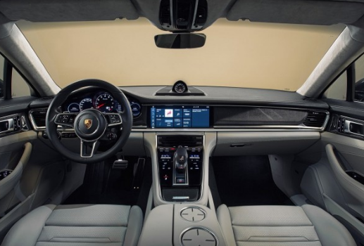 2018 Porsche Cayenne Interior