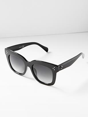 fdfaa0463c Den bästa accessoaren till din outfit på soliga dagar? Ett par stora  solglasögon förstås.