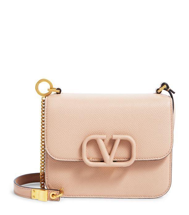 Valentino Bag Runway Fashion - #fashion #runway #valentino - #DesignerDressesValentino