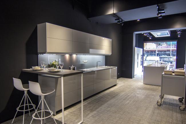 03-tienda-de-cocinas-santos-maragall-barcelona-diseño-plano-gris.jpg ...