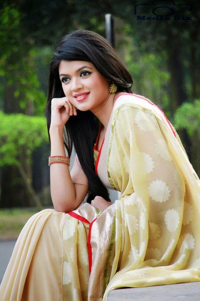 Ramp Model Ruma Is A Popular Model In Bangladesh Bangladeshi