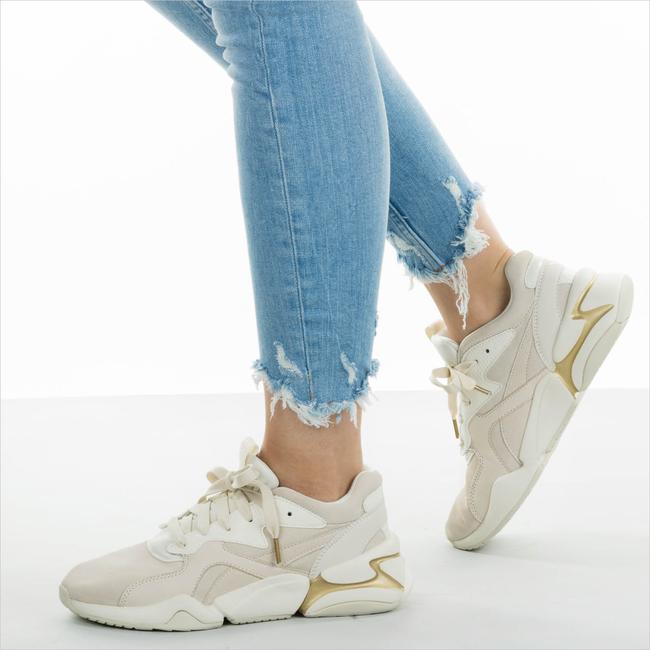 Beige PUMA Sneakers NOVA PASTEL GRUNGE