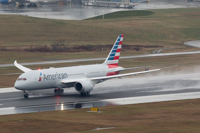 @AmericanAir takes delivery of its first Dreamliner