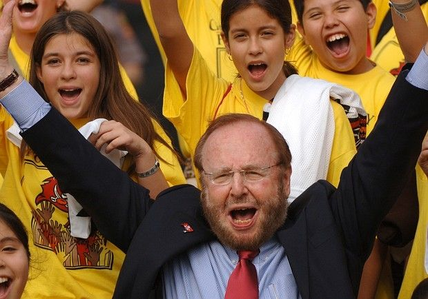 The World S Richest Sports Owners Richest In The World International Soccer Malcolm Glazer