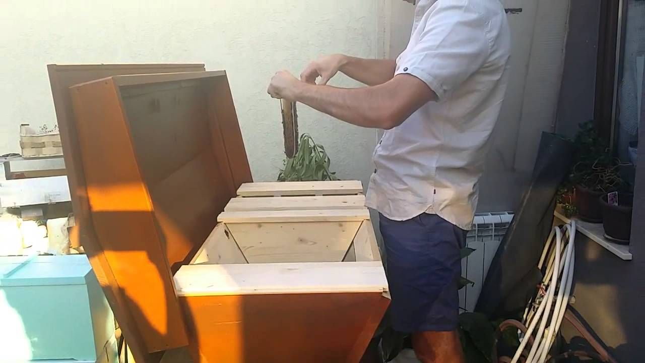 I have a Bee- Kenyan Top Bar hive- first inspection | Top ...