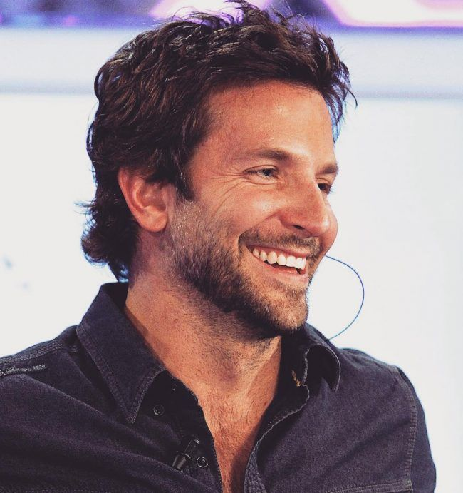 Bradley Cooper Hair Style Coole Mittlere Frisur Fur Manner Bradley Cooper Hair Hair Styles Bradley Cooper