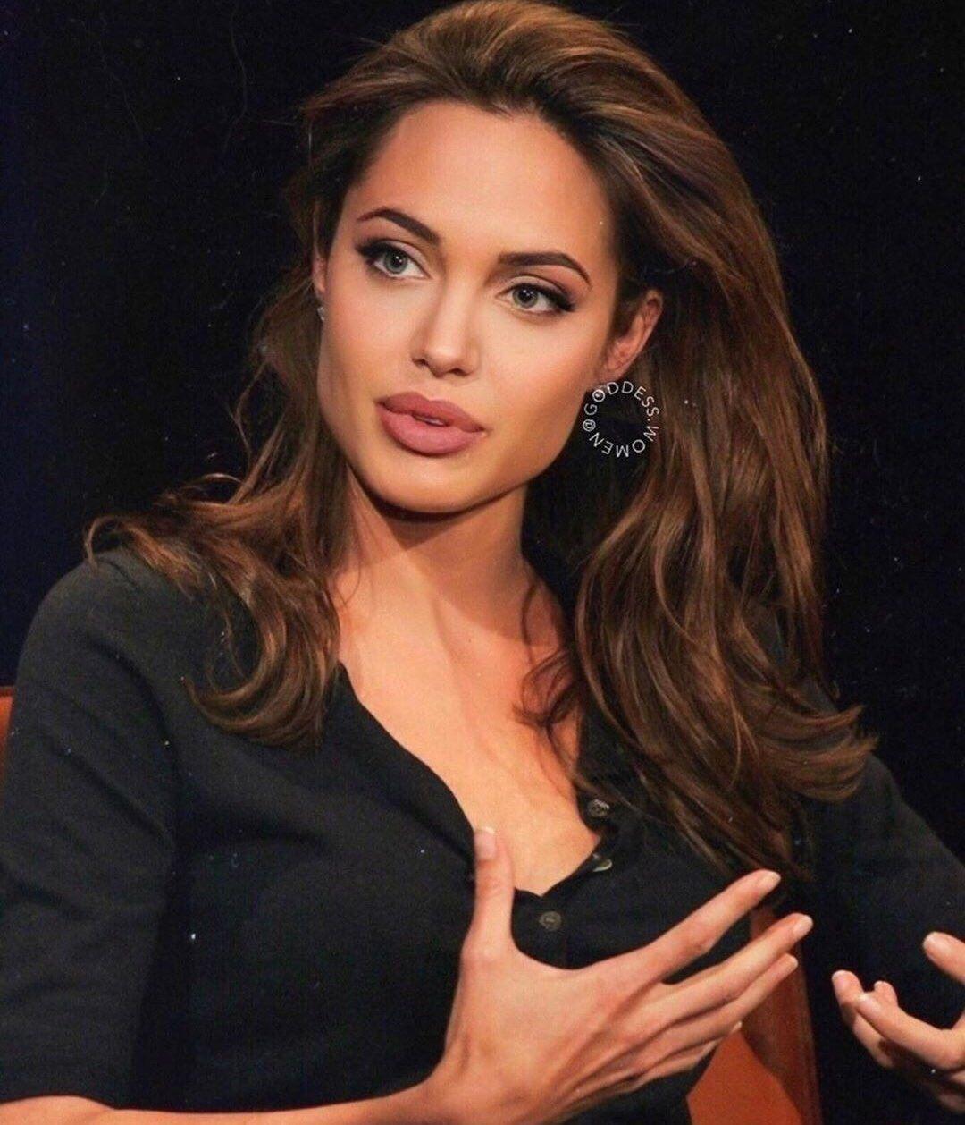 Epingle Sur Angelina Jolie