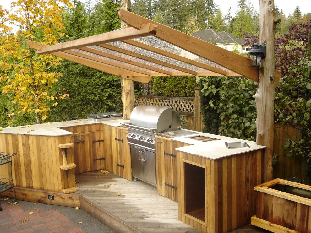 Outdoor kitchen ideas patio traditional with bbq cedar for Backyard barbecues outdoor kitchen