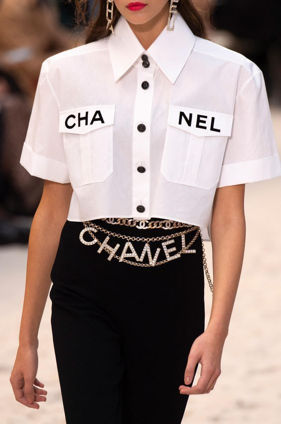 chanel spring couture Runway Fashion -   - #90sRunwayFashion #Chanel #Couture #Fashion #Runway #RunwayFashion2020 #RunwayFashionaesthetic #RunwayFashionchanel #RunwayFashioncrazy #RunwayFashiondior #RunwayFashiondresses #RunwayFashionvogue #RunwayFashionwomen #Spring