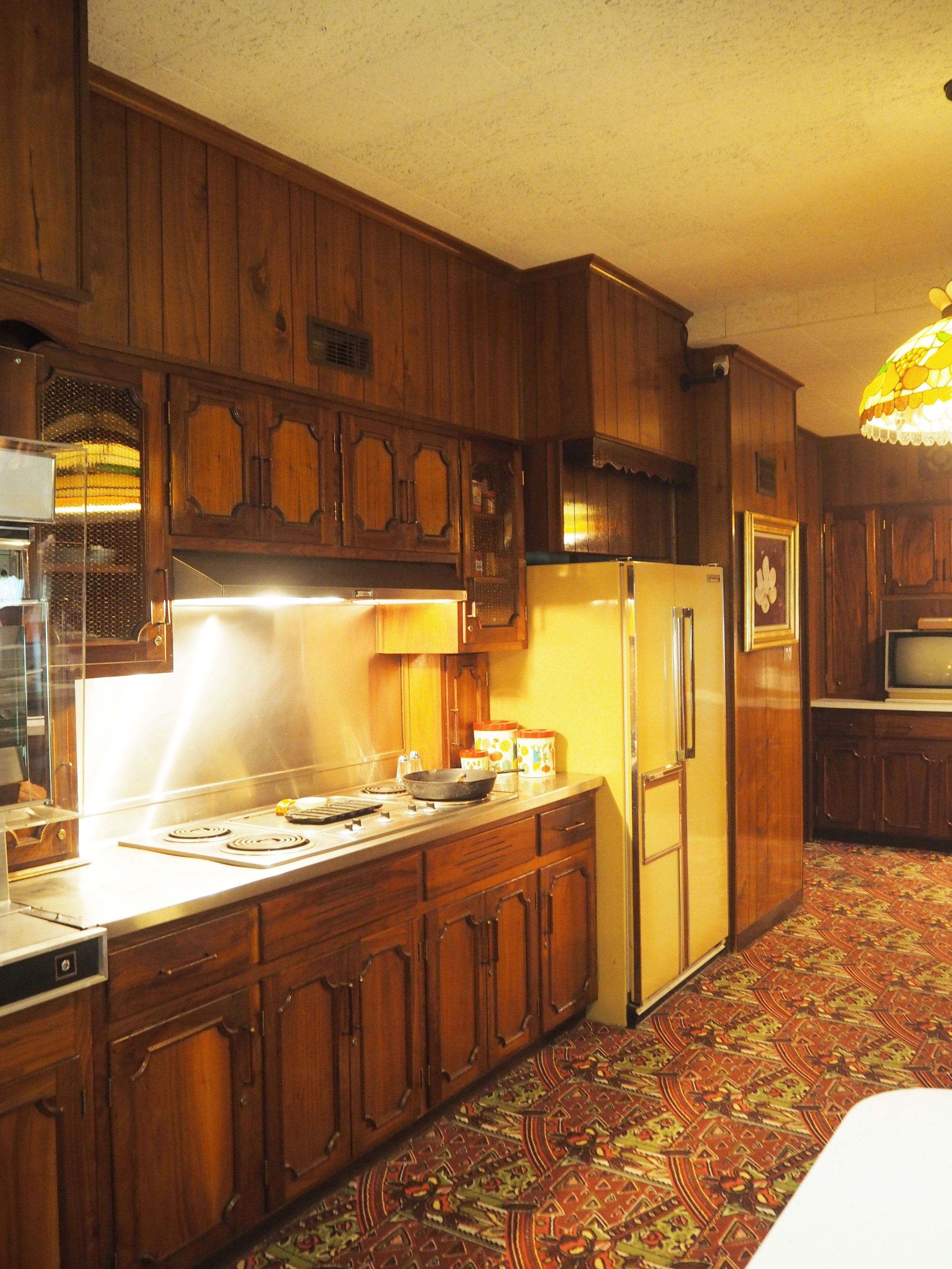 Elvis Presley's Graceland kitchen. To see more pics, click on the photo.