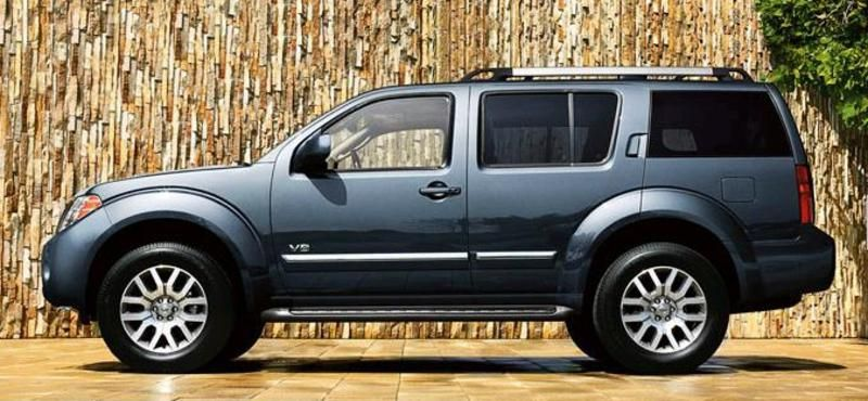 2013 nissan pathfinder midsize suv review the nissan pathfinder is a traditional suv and boasts. Black Bedroom Furniture Sets. Home Design Ideas