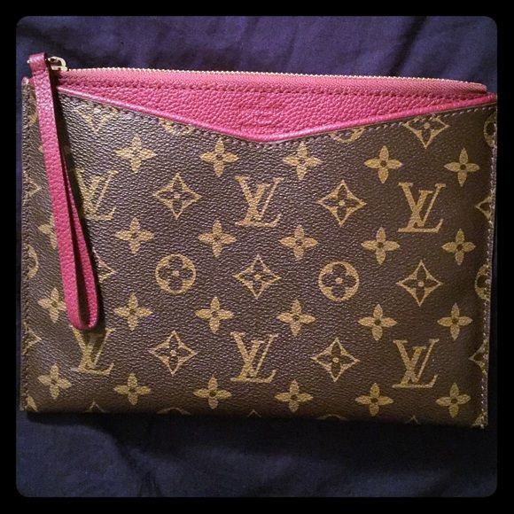louis vuitton wristlet. authentic louis vuitton pallas pochette i\u0027m loving my \ wristlet