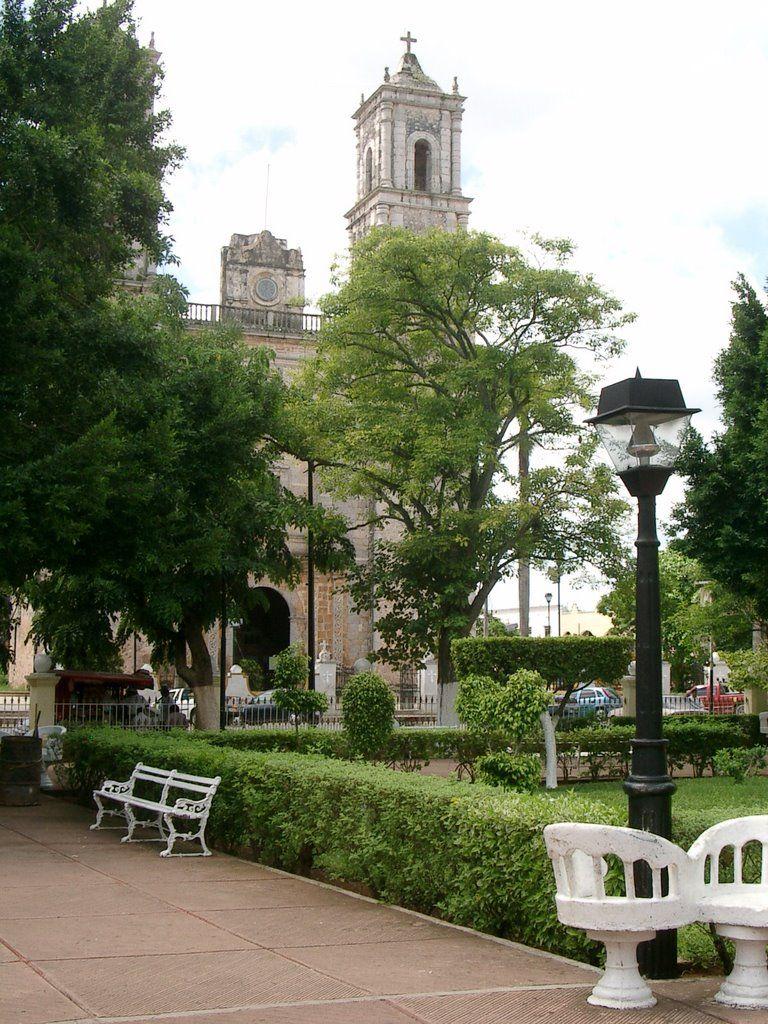 La Plaza Mayor con la cathedral