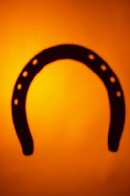Adornos para hacer con herraduras de caballos | eHow en Español