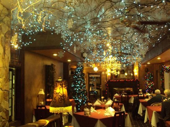 the madison inn restaurant dining room with christmas decorations