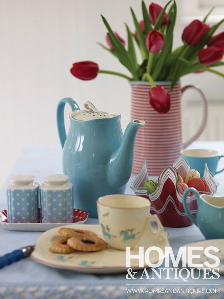 Create a pretty tea-time tableau by mixing and matching favourite pieces of tableware.