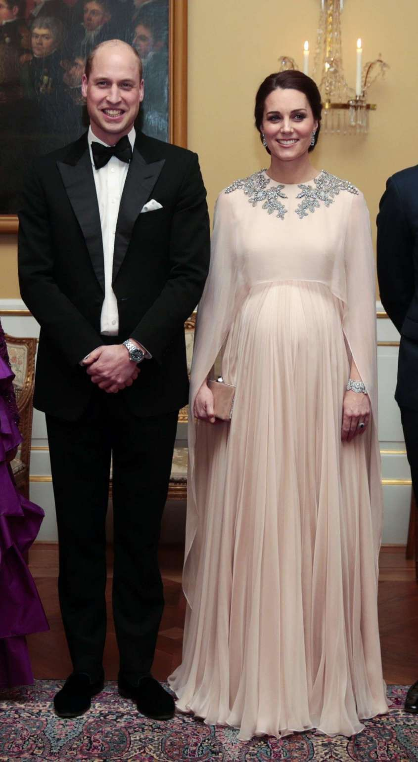 Abiti Eleganti Kate Middleton.Kate Middleton E Meghan Markle Look A Confronto Duchessa Kate