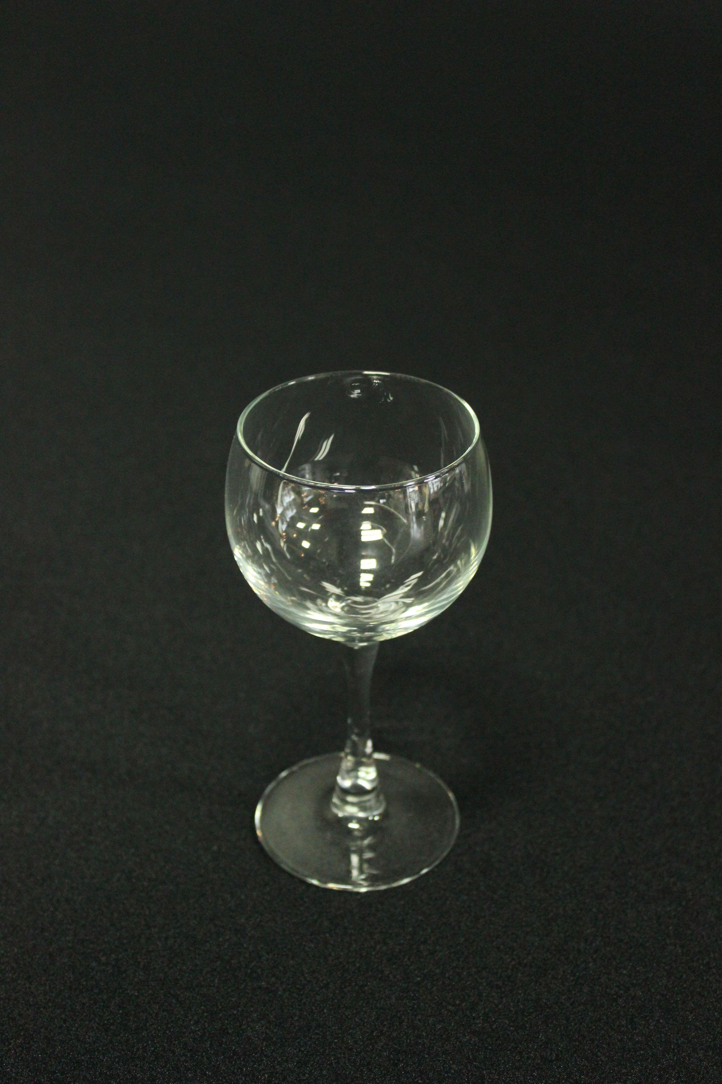 Plain wine glass