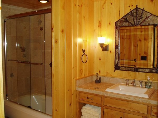 Charmant Knotty Pine Bathroom Remodel | Rustic Bath A Rustic Bathroom Works Great  For The Guest Who Visit This .