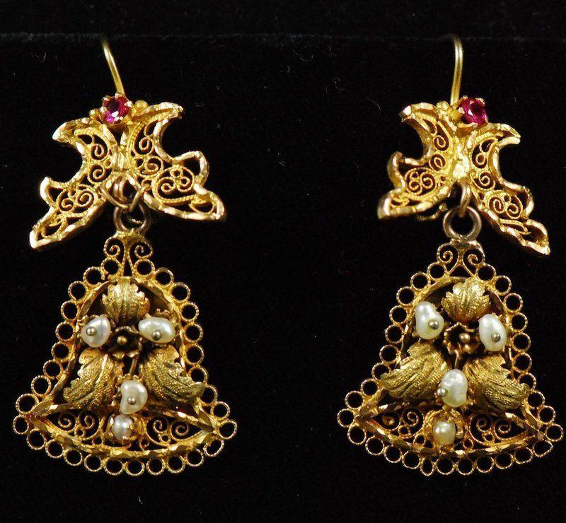 fa579dc23bf8 Aretes oaxaqueños en forma de campana