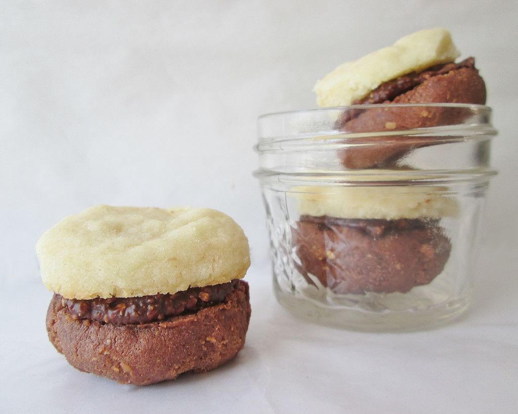 Romeo S Sighs And Juliet S Kisses Italian Sandwich Cookies