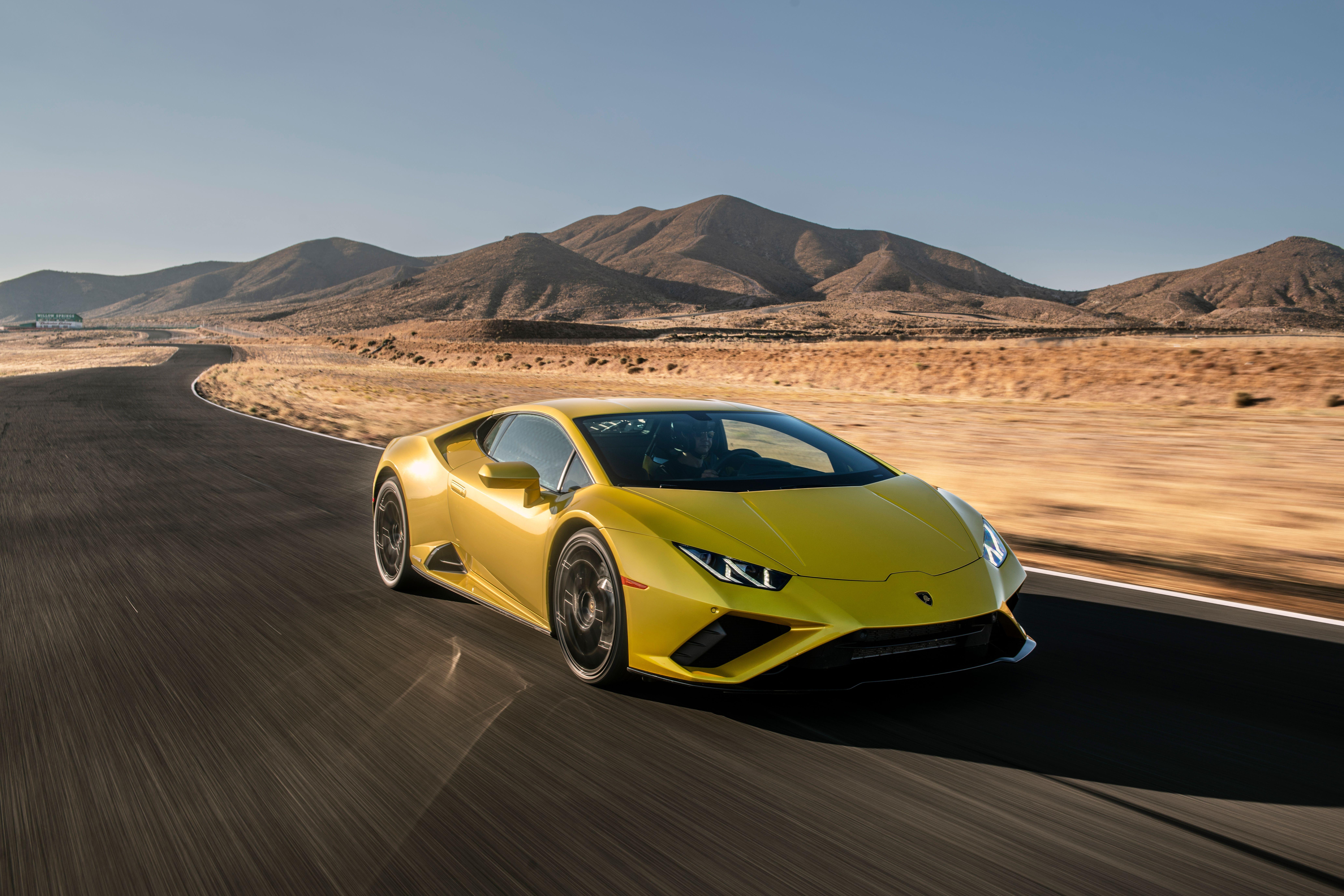 Lamborghini Huracan Evo 2021 4k Lamborghini Huracan Evo 2021 4k Wallpapers In 2021 Lamborghini Huracan Evo Lamborghini