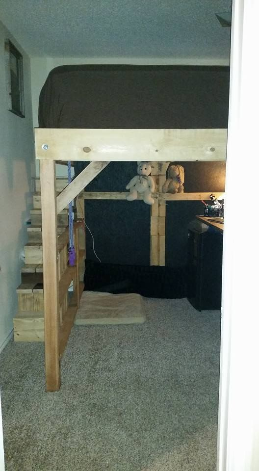 King Loft Pallet Bed With Stairs 1001 Pallets Pallet Loft Bed