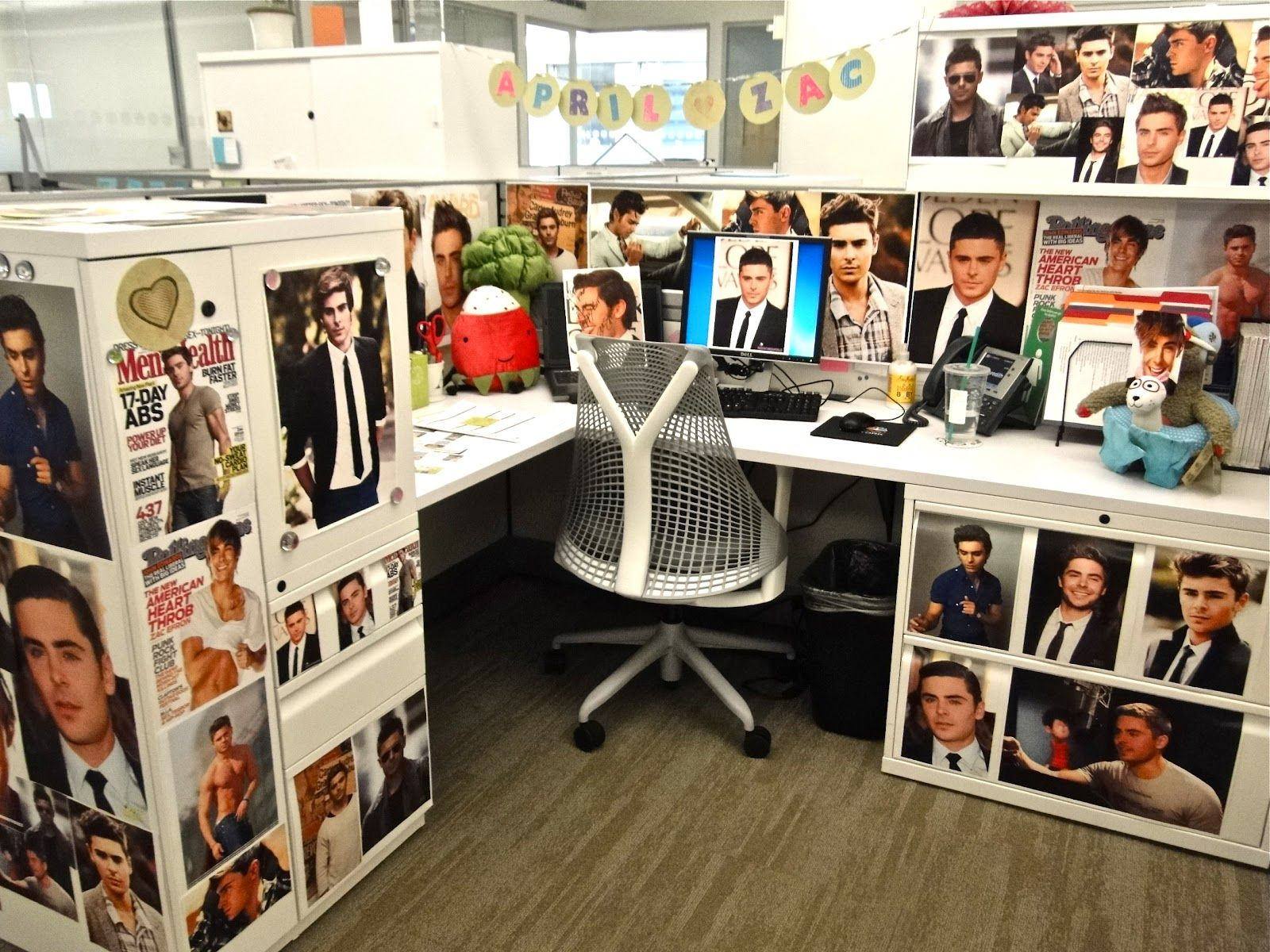 Decorated Cubicles with awesome photos! #decoratedcubicles More