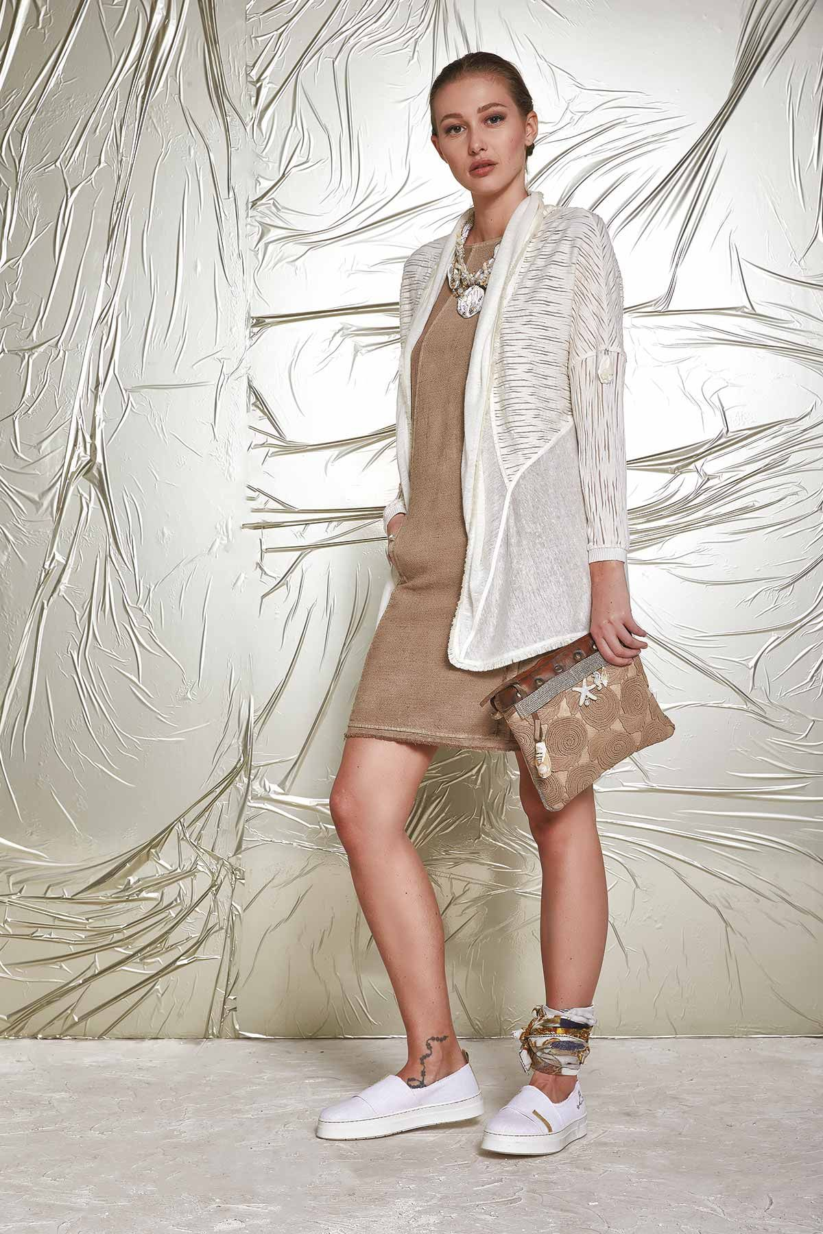 DANIELA DALLAVALLE - Lookbook #collection #danieladallavalle #elisacavaletti #PE17 #woman #shoes #foulard #bag #dress #necklace #jacket