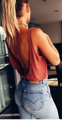 Women's Fashion Outfit Ideas 2019 – Red Vest with Skinny Jeans