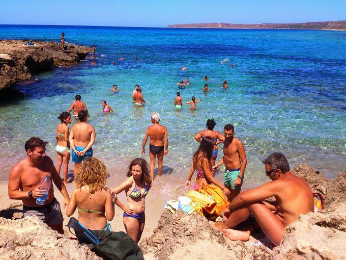 Cala Calazza, Castelluzzo, San Vito Lo Capo, Sicilia #mediterreansea #island #blusea #wonderfulplaces #covebeach #sicily
