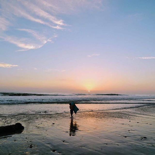 #sandiego #sunset #landscape #beach #lajolla #travelgram #travel #daily #샌디에고 #일상 #일상스타그램 #캘리포니아 #캘리포니아비치 #미국생활 #미국여행 #여행 #여행스타그램 #바다 #하늘 #sky #se #lajollalocals #sandiegoconnection #sdlocals - posted by sanjarak  https://www.instagram.com/sanjarak. See more post on La Jolla at http://LaJollaLocals.com