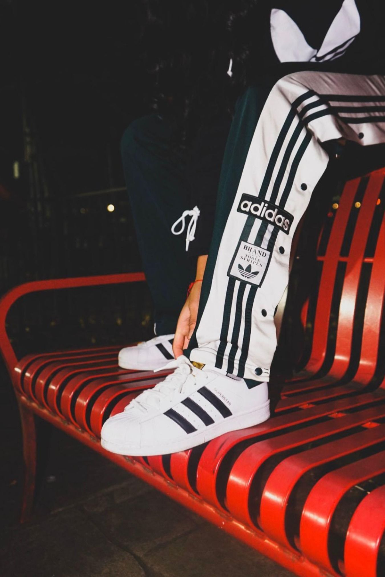 Since day one, the iconic shell toe of the adidas Superstar has stood for those who make a difference in their court. The adidas Superstar Shoes first stepped onto the basketball hardwood in 1970. It didn't take long for them to make the leap from athletic gear to streetwear staple.